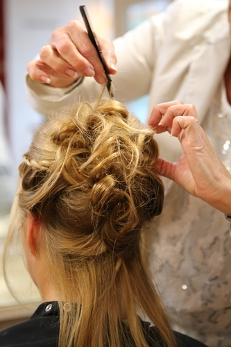 Bruidskapsel - Hair- en Beautysalon Moments in Amstelveen