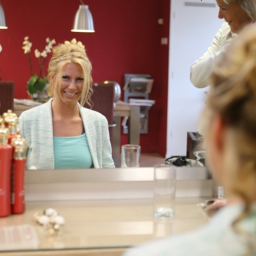 Bruidsmake-up en bruidskapsel - Hair- en Beautysalon Moments in Amstelveen
